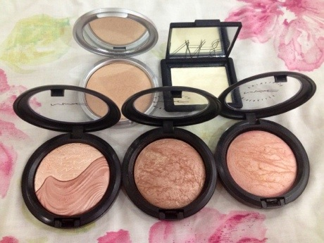 Highlighter Collection and Swatches swatches makeup beauty  The Balm Mary Lou Manizer Nars Albatross Mac Soft and Gentle Mac Porcelain Pink Mac Definitely Defined  photo picture image